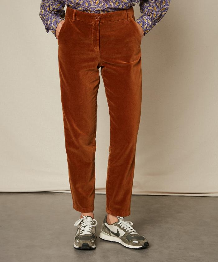 Pantalon Ponette en velours lisse noisette