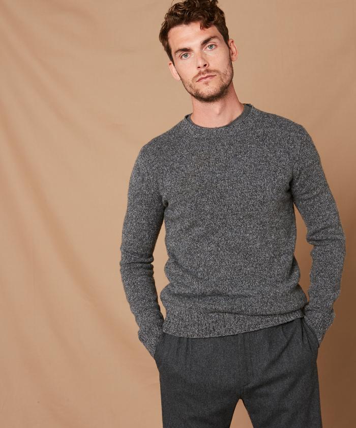 Pull en laine shetland gris