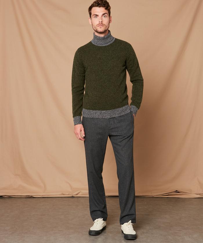 Pull col roulé en laine shetland bicolore