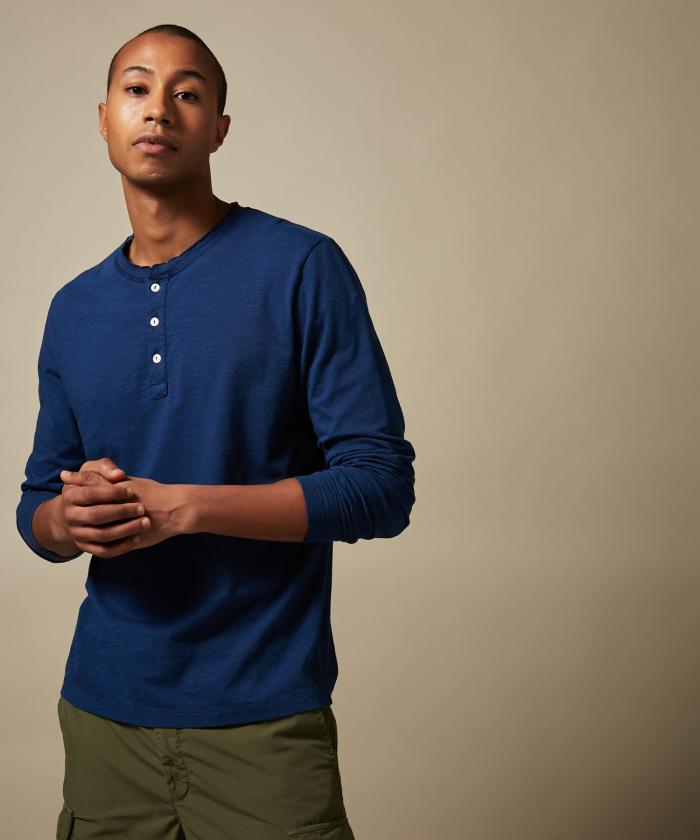 Tee-shirt Henley en coton bleu indigo