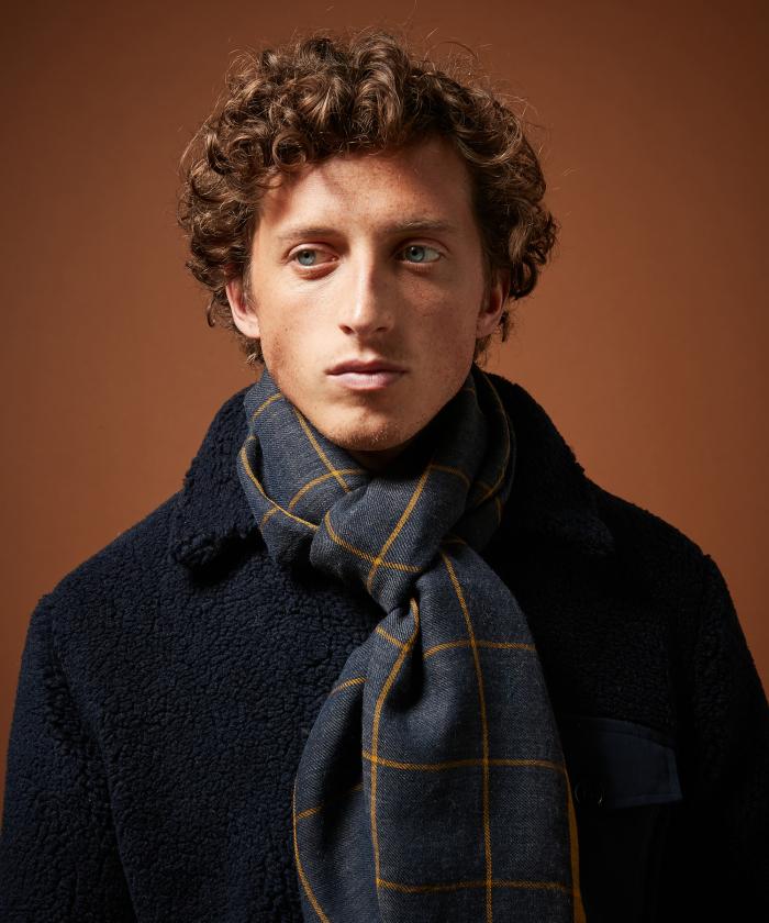 Foulard en laine à carreaux