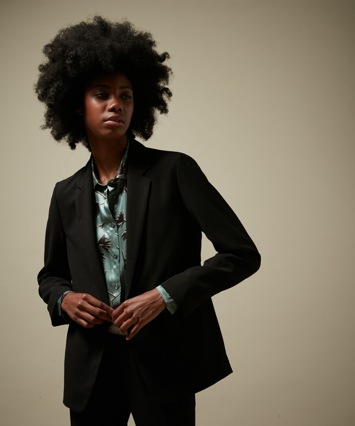 Virna black crepe jacket